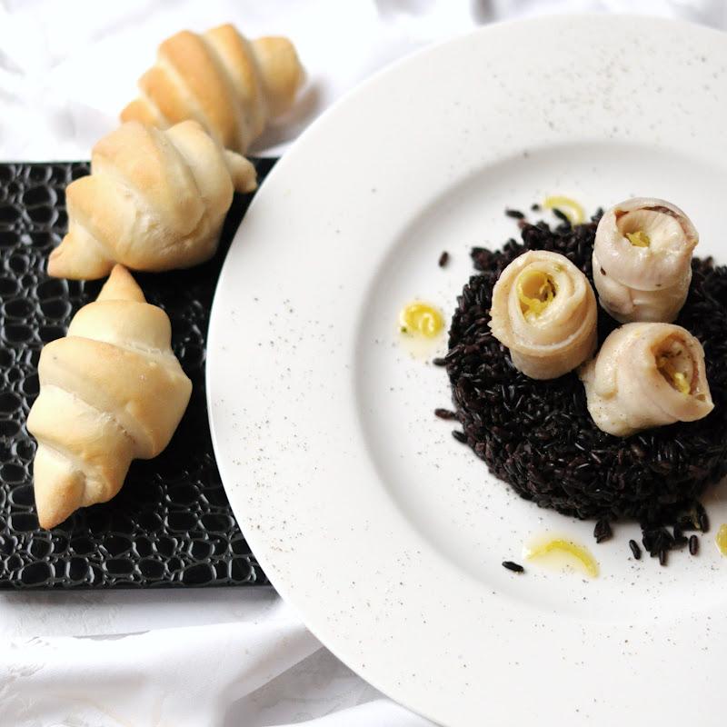 Riso venere con filetti di sogliola in olio aromatizzato e croissant 3 essenza in cucina - Cucinare riso venere ...