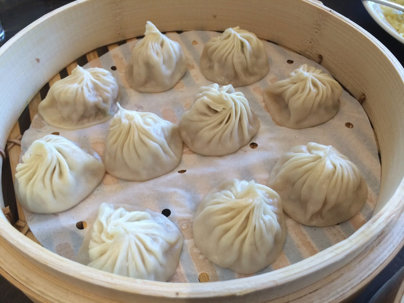 Dirty Smoke BBQ Blog: Juicy Pork Dumplings at Din Tai Fung, South ...
