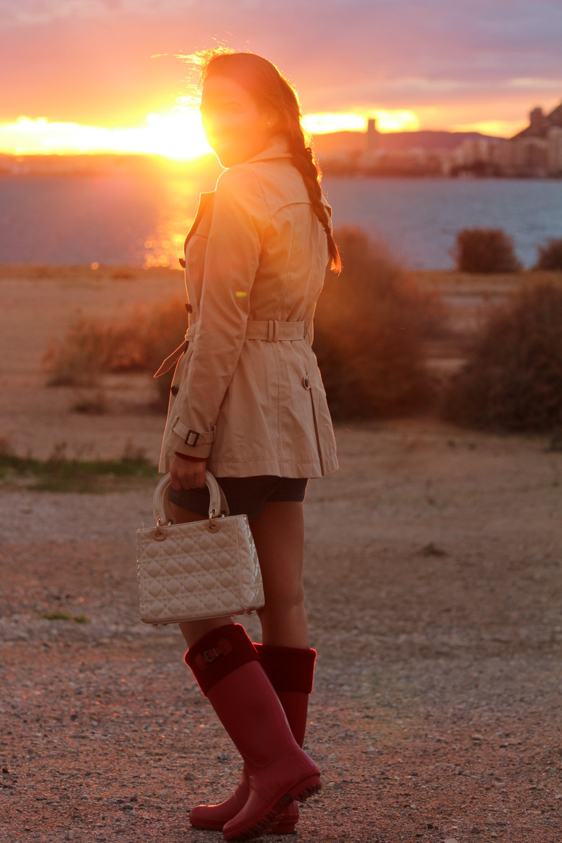 Trench y botas de agua estilo stiletto by leticia p rez - Personal shopper alicante ...
