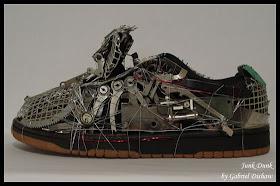 Wow, Laptop Bekas Diubah Menjadi Sepatu [ www.BlogApaAja.com ]