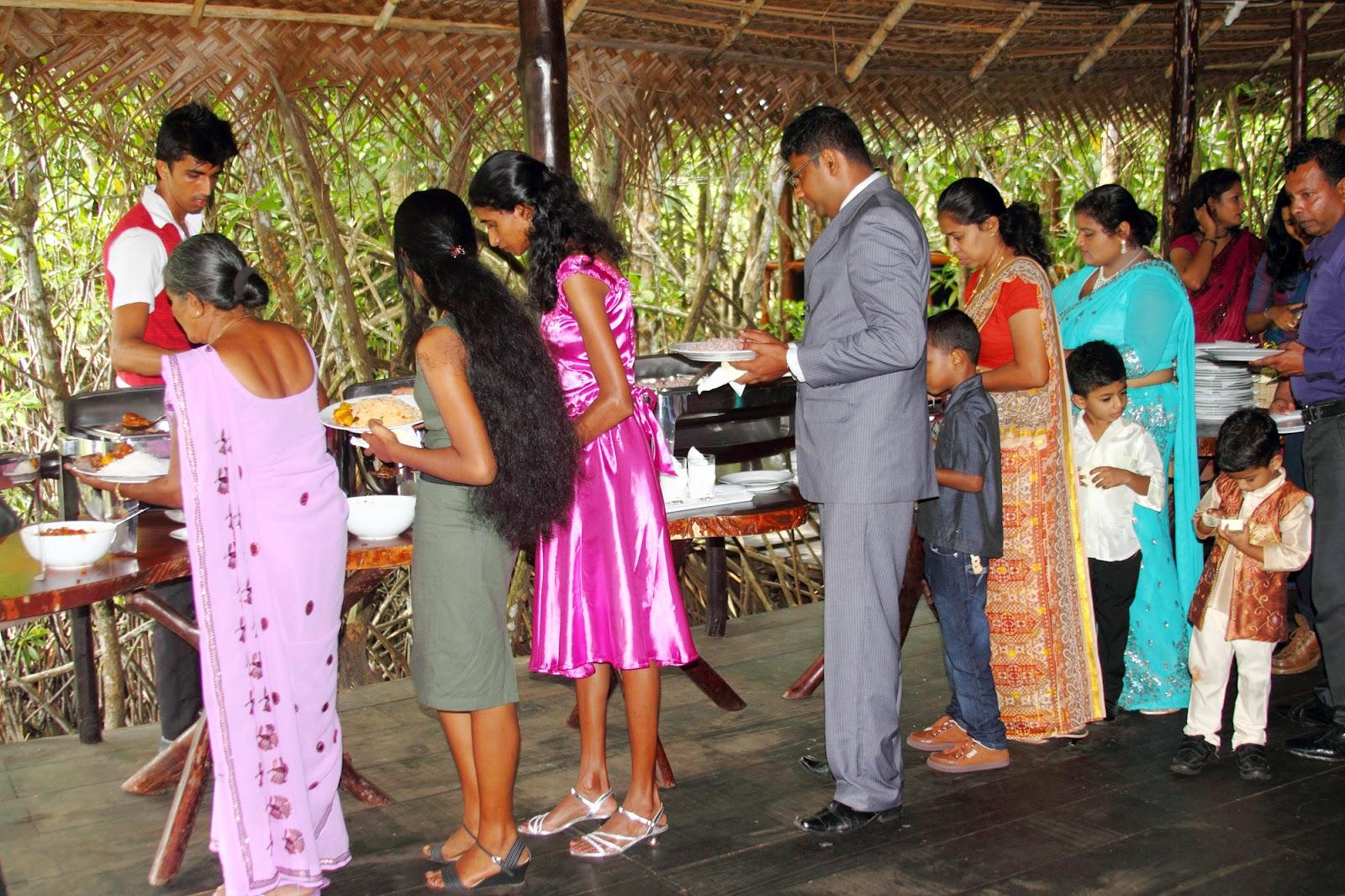 Wedding reception halls sri lanka : Shiny wedding halls reception hikkaduwa sri lanka