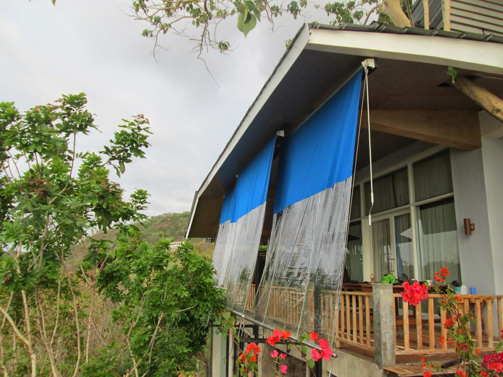 AWNING VERTICAL 08151627552