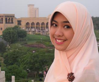 "Koleksi Foto Artis Cantik ""Oki Setiana Dewi"""