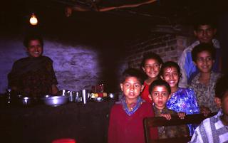 morgenlandfahrende / Familie in Kathmandu