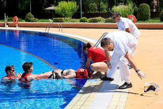 Se ha celebrado un simulacro de emergencias en la piscina for Piscina el carrascal