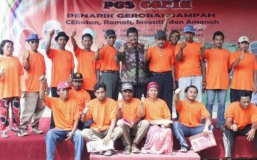 Paguyuban Penarik Gerobak Sampah Cekatan Riang Inovatif Amanah (PGS CERIA)