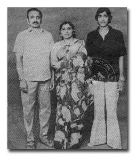 Mohanlal with his mother and father