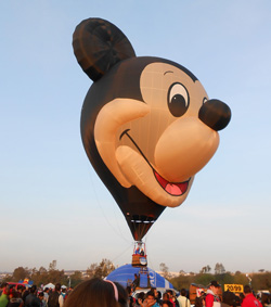 Mickey Mouse, globo, FIG