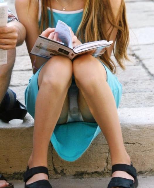 sitting upskirts public 1