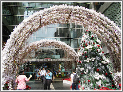 More Decorations At The Bukit Bintang Entrance, Dec 4 2015