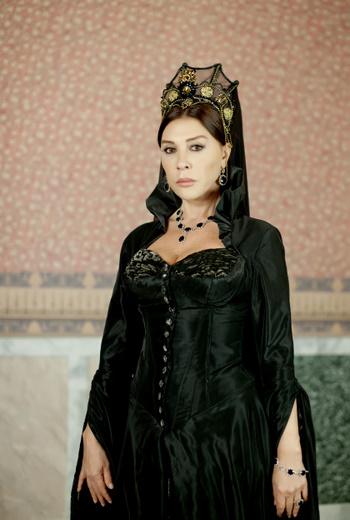 valide sultan Muhteşem Yüzyıl Valide Sultan Elbiseleri