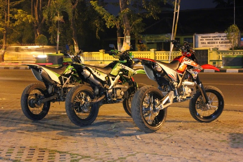 modifikasi kawasaki klx 150 s supermoto