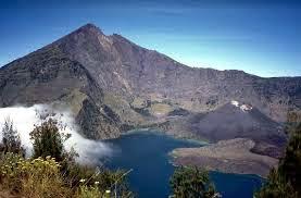 Daftar Gunung - Gunung Di Indonesia Beserta Ketinggiannya