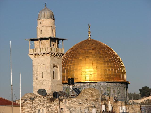 O santuário da profecia de Daniel: Domo da Rocha com teto dourado