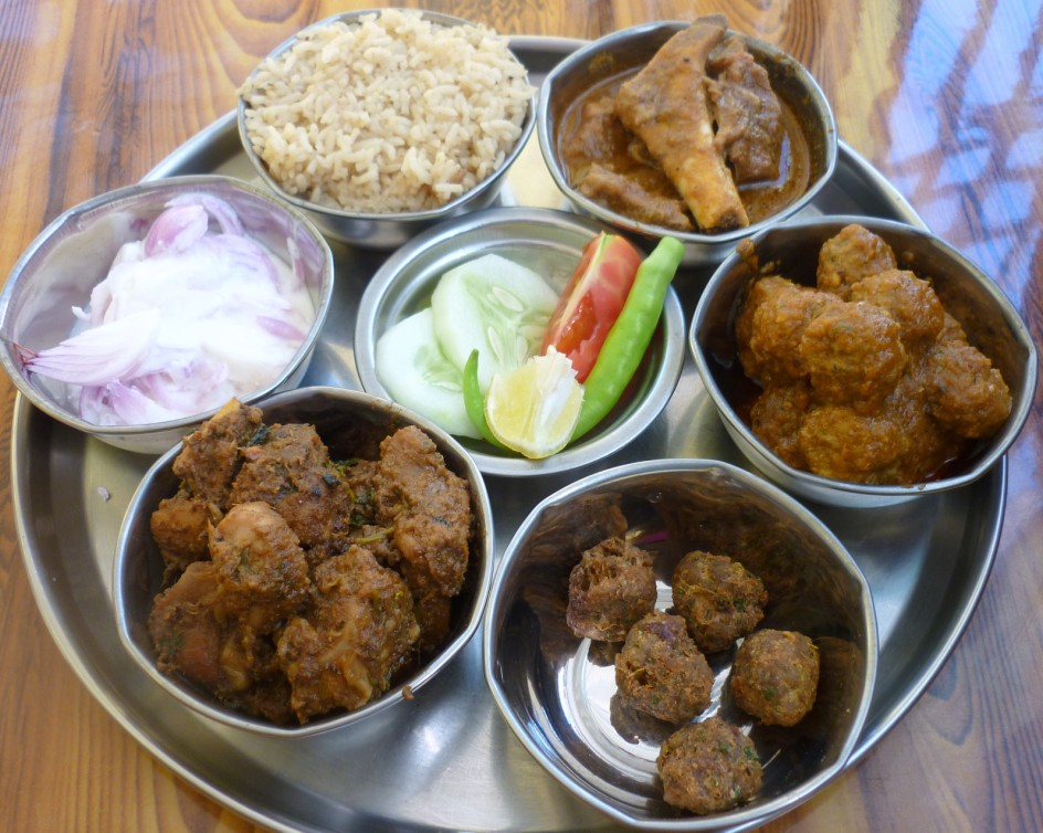 Ira yummy food mutton curry mamsam kura andhra mutton for Andhra cuisine vegetarian