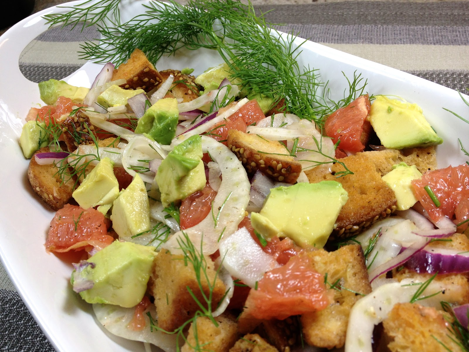 ... : Grapefruit - Panzanella Salad with Red Grapefruit, Avocado & Fennel