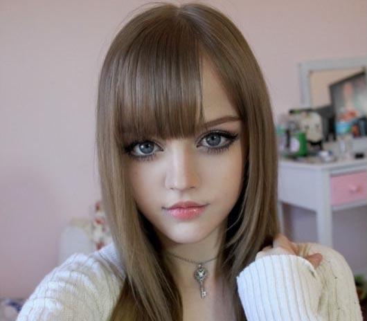 Namanya Dakota Rose, Si Cantik yang Suka Dandan Ala Boneka Barbie
