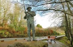 Monumento al pescador , pues en esta zona, los hay y muy buenos