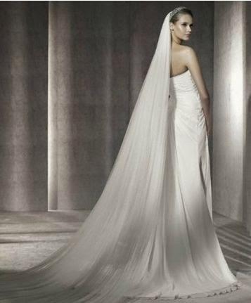Vestido de Novia con un Tirante y Drapeado Diagonal