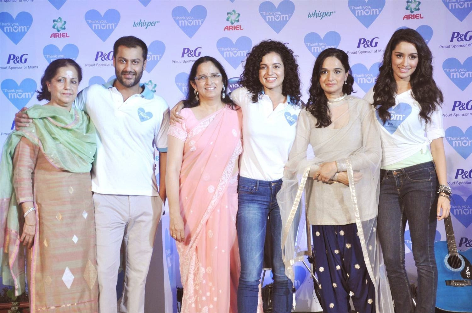 Kangana Ranaut, Abhishek Kapoor, Shraddha Kapoor with their moms at P&G thank you mom event in Bandra