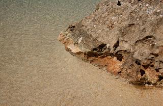 MG 8208 Piscina de arenas tropicales en revestimiento interior.