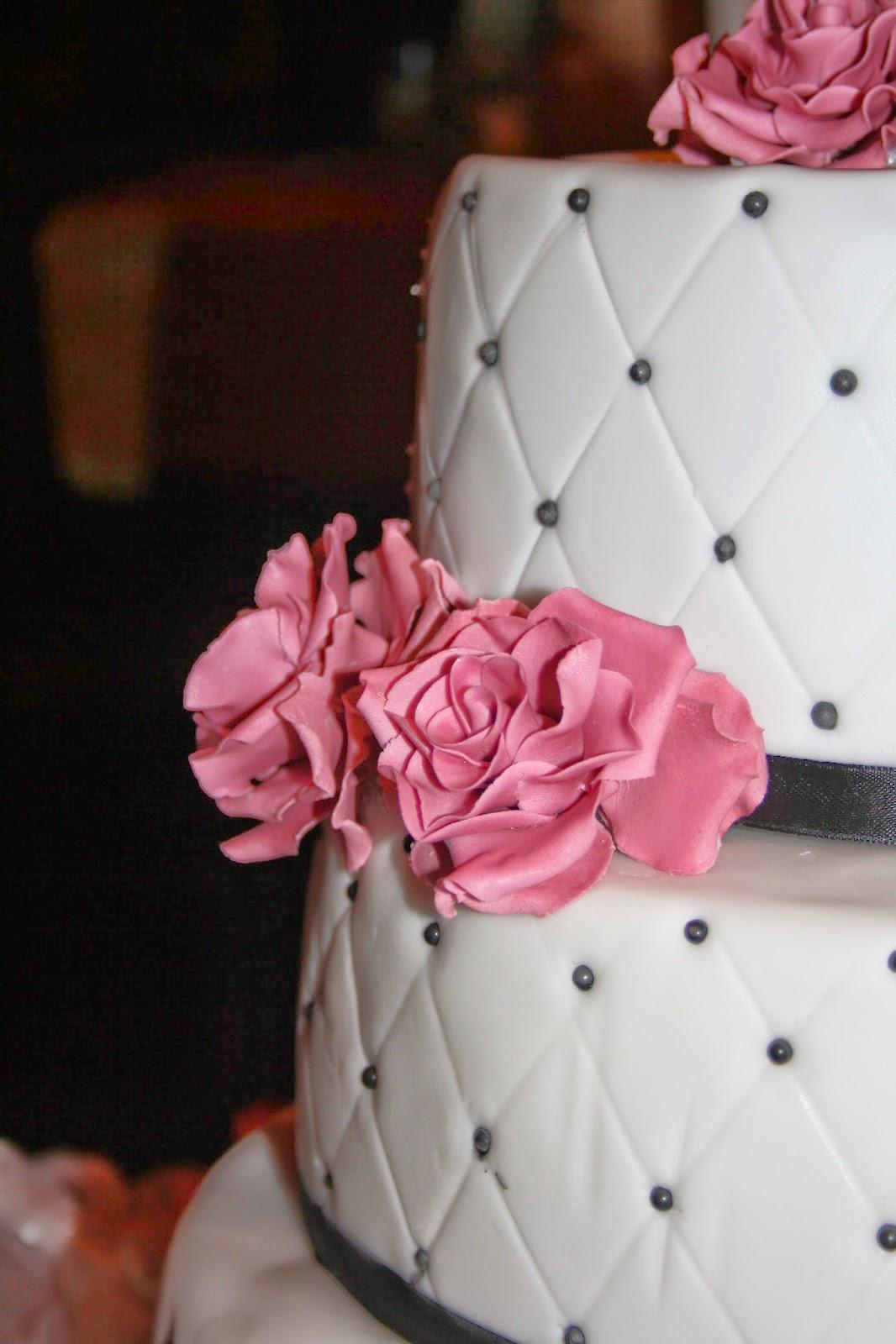 Tortenkrumel Hochzeitstorte In Schwarz Pink
