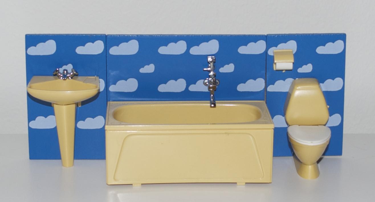 ordningsfrun: A history of Lundby bathroom furniture