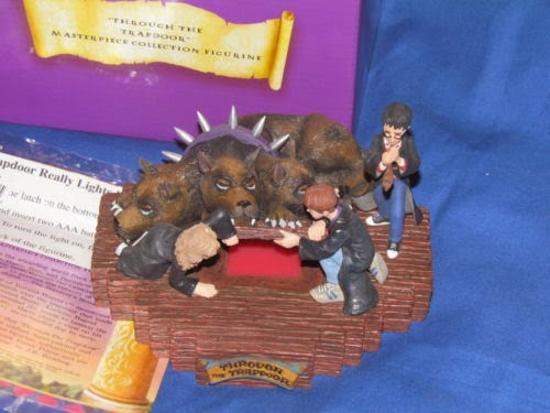 HARRY POTTER THROUGH THE TRAP DOOR ENESCO 2000 WARNER NIB