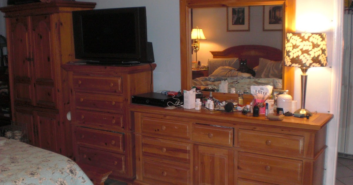 Alan World For Sale Used Bedroom Set Marks Clutter and Dog Not