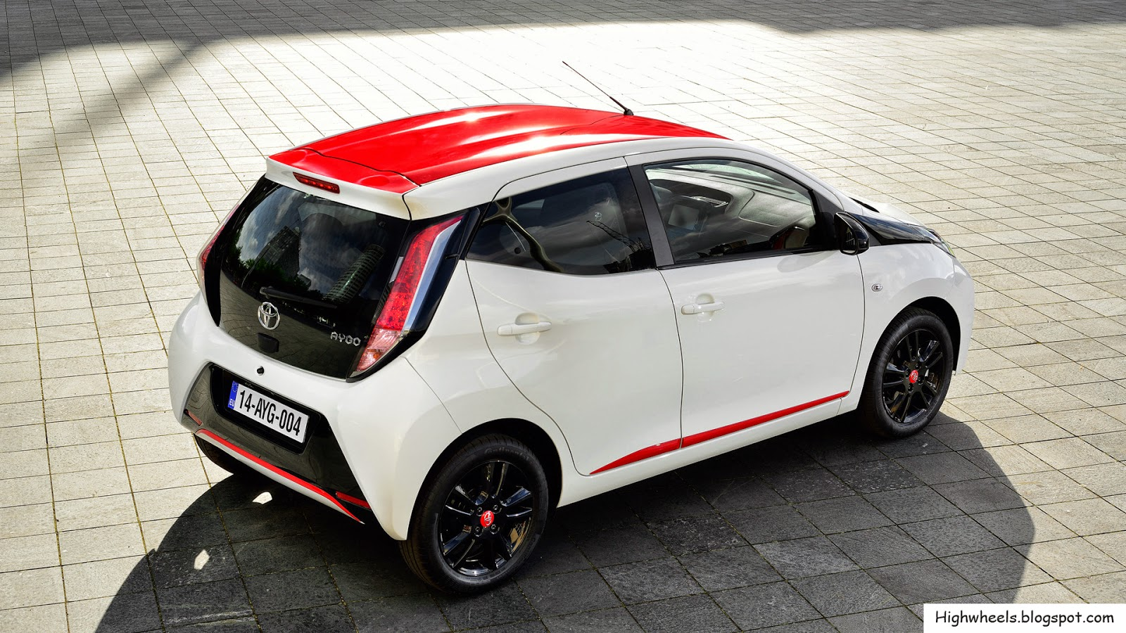 2015 toyota aygo high wheels. Black Bedroom Furniture Sets. Home Design Ideas
