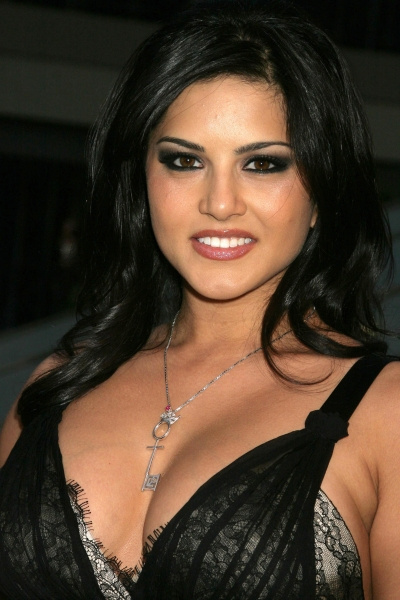 Bollywood Hot Actress Sunny leone