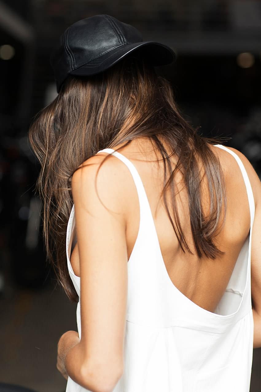 Фото красивых брюнеток вид со спины 21 фотография