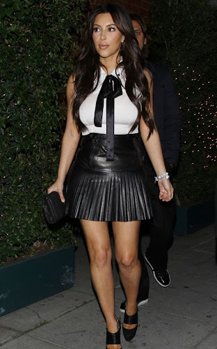 Kim out to dinner at Mr. Chow in Beverly Hills- 10 Pics