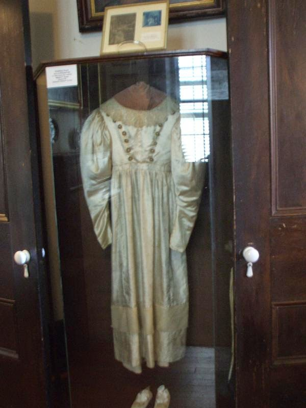 Unimaginable nightmares anna baker 39 s haunted wedding dress for Wedding dresses reading pa