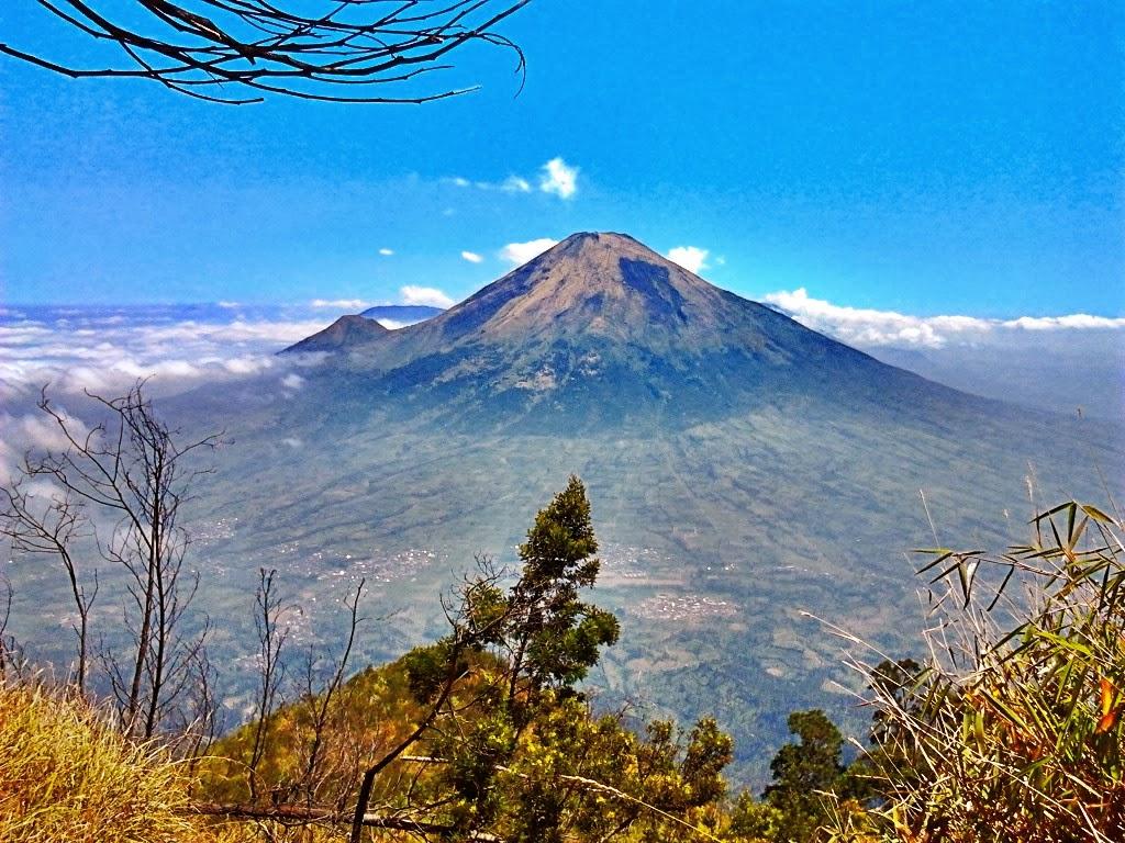 Gunung Sindoro | Kameradroid