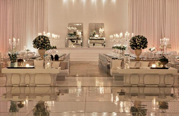 decoracao branca casamento : decoracao branca casamento: itens na versão branca. É moderno e romântico ao mesmo tempo