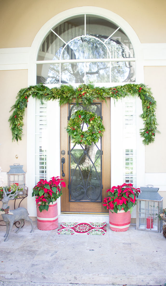 Our holiday entryway and 150 home decorators giveaway for Decorating outdoor entryways