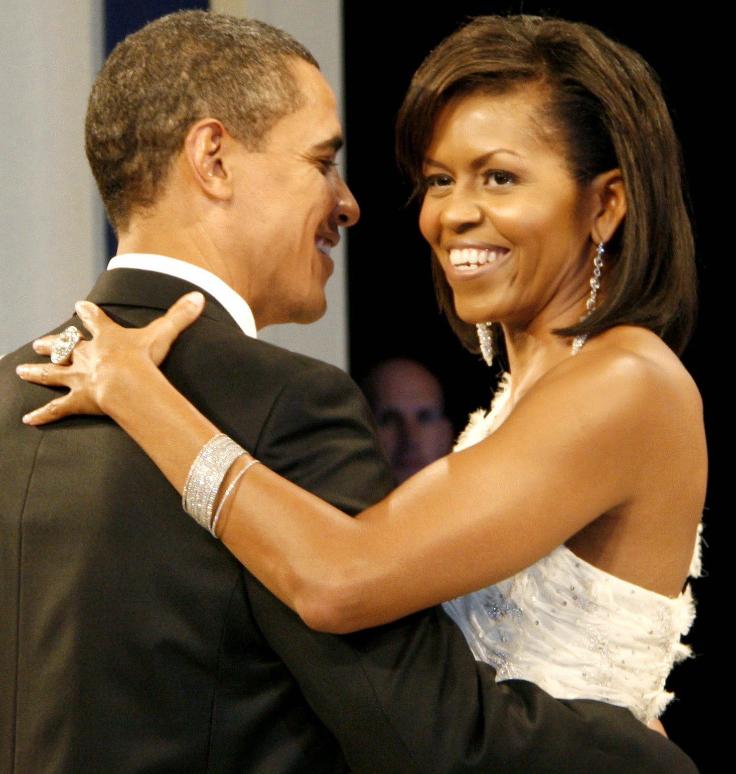 [Image: Barack_and_Michelle_Obama_at_the_Home_St...6658709900]