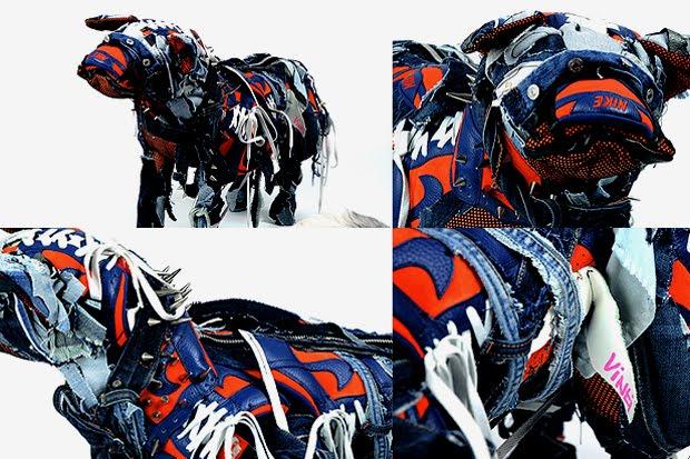http://1.bp.blogspot.com/-SUpbHE2RMHQ/TzP5aryB0mI/AAAAAAAALU0/H97WbOsIagY/s1600/Nike-Dog-Sculptures-by-Vinti-Andrews-2.jpeg