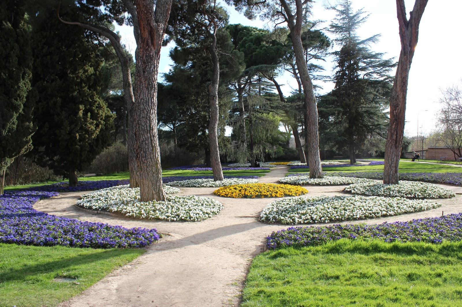 Parque del capricho madrid ando y reando for Jardin historico el capricho paseo alameda de osuna 25