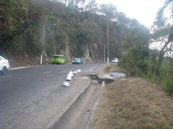 Lluvias provocan derrumbe en Ciudad Quetzal
