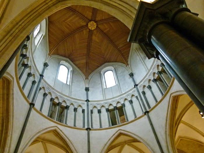 Inside round church, Temple Church, london
