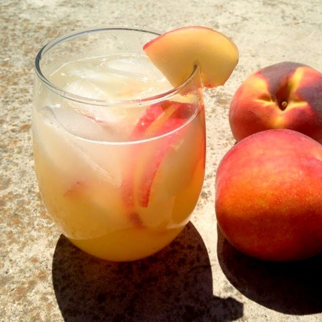 Jennuine by Rook No. 17*: Recipe ~ Fresh Squeezed Peach Sangria