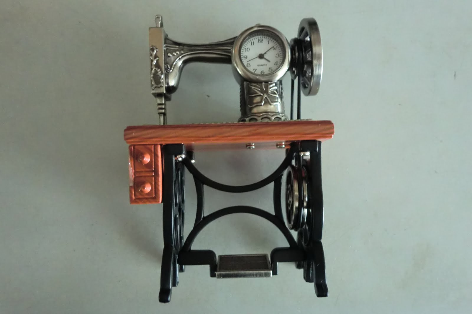 corner sewing machine table