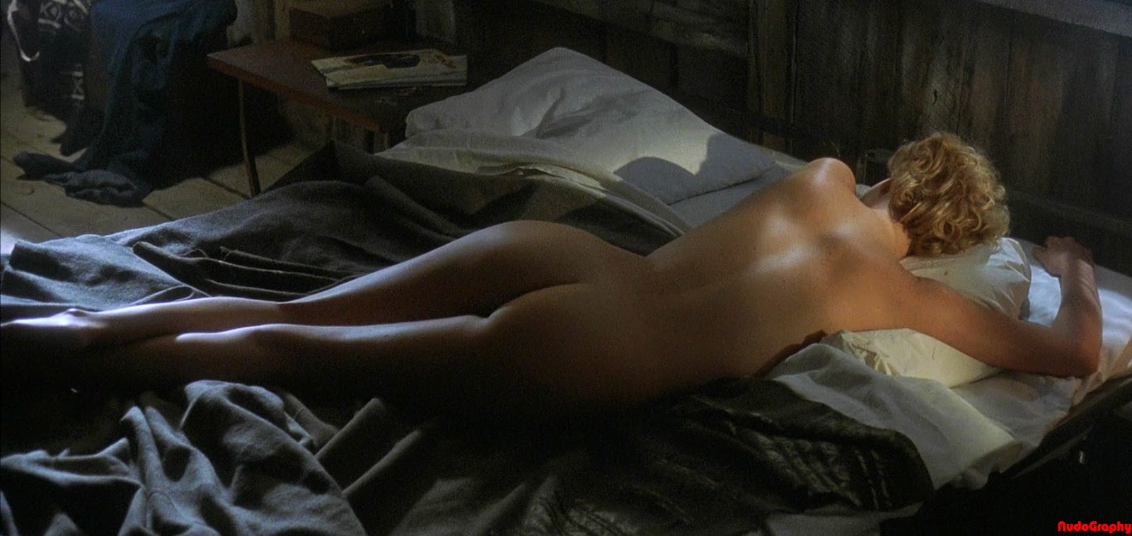 light skin naked skinny girl