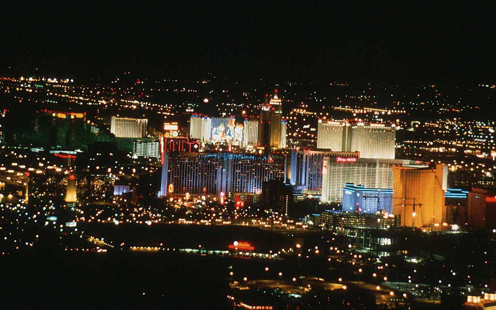 las vegas There are more fun things to do in las vegas than you can possibly imagine find official information on vegas attractions, activities, nightlife, museums and spas to.