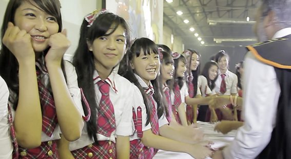 Hanshake JKT48 at Hellofest