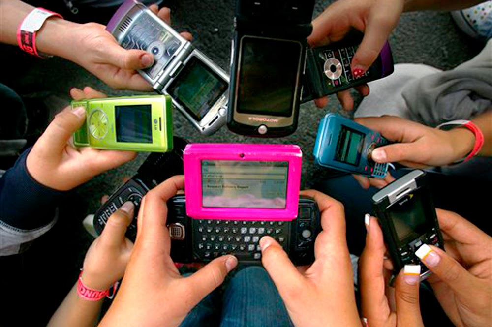 """cell phone technology as a curse """"i can't live without my mobile phone"""" is what i often hear is the mobile phone a blessing or a curse the technology intimidated her and she was."""