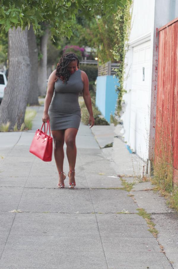 Justfab-Matthew-Handbag, Plus-Size-Bloggers, Fashion-Style-Bloggers, Black-Bloggers,  Melissa-Geddis, red-grey-color-combination