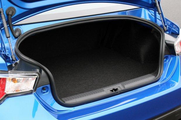2013 subaru brz first drive trunk space